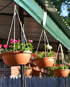 Babblings and More: Easy Hanging Flower Pots