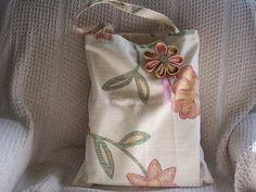 #Tote com uma flor kanzashi