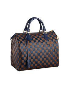 Speedy de Louis Vuitton   Devant le succès du sac de voyage Keepall, Louis Vuitton propose dès 1930 une plus petite version, le Speedy. Il existe sous différents formats, différents cuirs et différentes couleurs, avec ou sans bandoulière… Et a été immortalisé par Audrey Hepburn, qui l'arborait en toute circonstance.