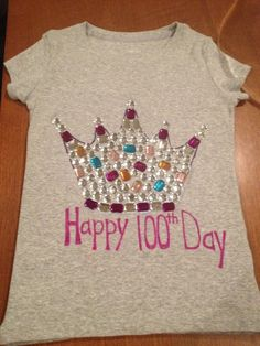 100 days of school t-shirt decorating ideas . 100 days of school t-shirt decorating ideas . 100th Day Of School Crafts, 100 Day Of School Project, School Fun, School Days, School Projects, School Stuff, Diy For Girls, Shirts For Girls, T Shirts