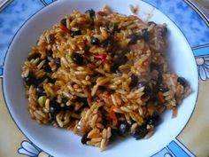 Die liebe Jessi startet bald einen neuen Job und genießt vorher noch Gerichte wie diese schnelle Reis-Bohnenpfanne
