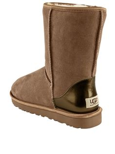 136 best uggs images boots slippers dress shoes rh pinterest com