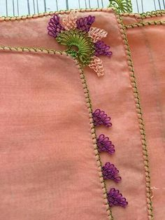 This Pin was discovered by Niğ Needle Lace, Olay, Crotchet, Bargello, Tatting, Knots, Diy And Crafts, Brooch, Embroidery