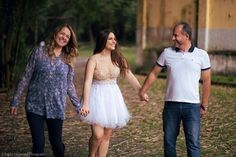 Cute Birthday Pictures, Birthday Photos, Sweet 16 Pictures, Cute Pictures, College Graduation Pictures, Book 15 Anos, Quinceanera Photography, 15th Birthday, Photo Poses