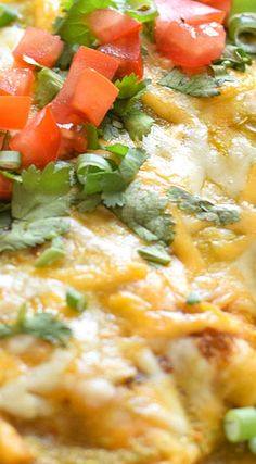 Enchiladas Verdes recipe made with chicken and covered in an easy salsa verde! Baked to perfection, they're great for dinner and make tasty leftovers! Enchiladas Verdes Recipe, Chicken Enchiladas, Salsa Chicken, Mexican Dishes, Mexican Food Recipes, Tacos And Burritos, Mexican Cooking, Salsa Verde, Healthy Side Dishes