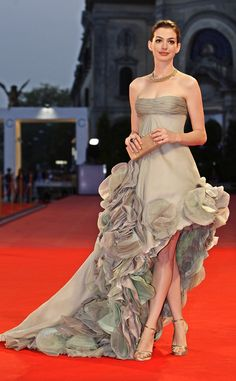 Anne Hathaway in Atelier Versace At the Venice Film Festival in September 2008. This dress is supposed to be sea foam green!