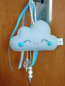 pequemimos: Chaveiro de nuvem - PAP e molde Felt Crafts, Fabric Crafts, Diy And Crafts, Cloud Party, Boy Toddler Bedroom, Bunny Bags, Bolo Fake, Creative Crafts, Decorative Items