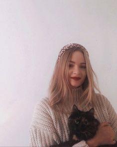 Dasha Butakova в Instagram: «А здрасьте. Захотелось тут выложить пост на ночь глядя. Когда-то я уже рассказывала про финские странности,типа конкурса по метанию…» My Photos, Winter Hats, Beanie, Inspiration, Instagram, Fashion, Biblical Inspiration, Moda, Fashion Styles