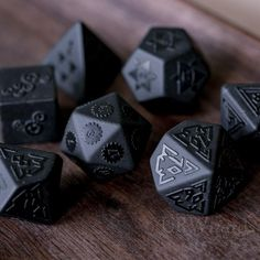 Full Set of Raised Obsidian Polyhedral Dice Set Gemstone DnD Dice Set – Dungeons and Dragons, RPG - Tinte Tabletop Rpg, Tabletop Games, The Beast, Dungeons And Dragons Dice, Mini Bars, Dragon Rpg, Dragon Dies, Nerd, 3d Prints