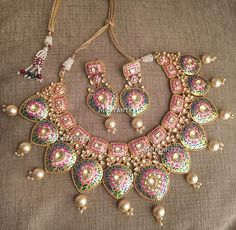 Featured Trendy Meenakari Indain Bridal Jewelry Collection You can't Miss Out India Jewelry, Jewelry Sets, Gold Jewellery, Silver Jewelry, Jewelry Watches, Fine Jewelry, Jewelry Trends, Jewellery Shops, Temple Jewellery