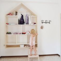 Anna dreamed of sleeping under a tree, writing on a wall, having a doll house all for herself. Room for a dream is a project designed and realized by LOOOdesign with …
