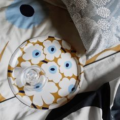 Bring a little sunshine into your home with blossoming Unikko pattern. Design Shop, Marimekko Fabric, Shops, Nordic Design, Textile Patterns, Pattern Making, Plywood, Mini, Home Accessories