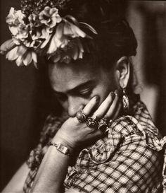 Величайший провокатор прошлого века – Фрида Кало. Все пороки в одном человеке.