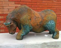 (Listo para cargar) | Flickr: Cargar fotos y videos Animal Sculptures, Lion Sculpture, Pig Farming, Pottery Techniques, Crash Bandicoot, Storage Design, Taurus, Sculpting, Decoupage