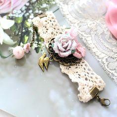 Bracelet dentelle Lucie rêve : féerique et romantique, ce merveilleux bracelet illuminera votre tenue - 18€