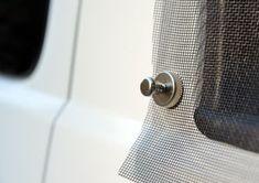 VanEssa Mobilcamping - Camping Ausbau für Deinen Van - T5, T6, Mercedes u.v.m. - Effektive und einfache Fahrzeugbelüftung mit Fliegengitter und Magneten