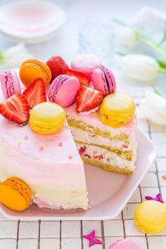 Tejszínes epertorta recept - Kifőztük, online gasztromagazin Cake Cookies, Vanilla Cake, Cheesecake, Chocolate, Russel Hobbs, Foods, Mascarpone, Food Food, Food Items