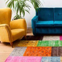 Der Yagmur vereint auf wunderschöne Weise verschiedene Farben, Töne und Kontraste. Dieser #Teppich hat ein wahrhaftig komplexes Design und Farbbild. #Yagmur: http://www.sukhi.de/ubergefarbte-yagmur-patchwork-teppiche-1.html