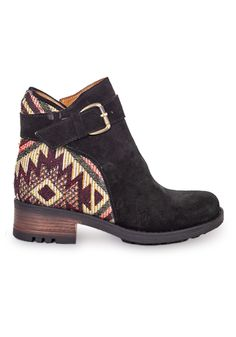 Handmade with a unique combination of suede and authentic fabric.....looooove these Kiboots bucle boots so much.