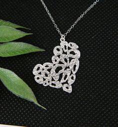 SILVER Heart Necklace Wedding Jewelry por DanglingJewelry en Etsy