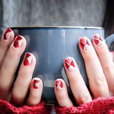 Blogger @missladyfinger cozies up with a hot drink and #essiewinter.