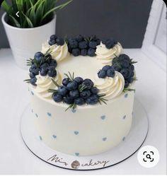 Cake Decorating Designs, Cake Decorating Videos, Cake Decorating Techniques, Cake Designs, Cupcakes, Cupcake Cakes, Food Cakes, Fruit Cake Design, Beautiful Birthday Cakes