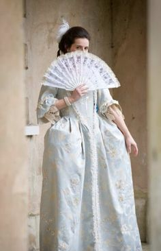 Georgian inspired wedding dress with veil at Upton country house by www.chantellesophia.com