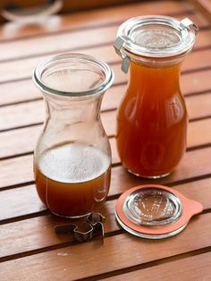 Pumpkin Spice Syrup und Pumkin Spice Latte - Kürbis ist in aller Munde! Pumpkin Spice Syrup, Homemade Pumpkin Puree, Coffee Creamer, Fall Baking, Vegan Treats, Canning Recipes, Sauce Recipes, Syrup Recipes, Fall Recipes