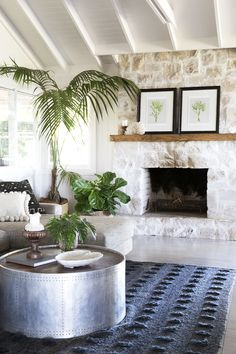 Glamour Coastal Living: The Grove Byron Bay and Villa Styling Home Fireplace, Fireplace Remodel, Fireplace Design, Fireplaces, Fireplace Ideas, Australia Map, Australia Kangaroo, Australia Animals, Great Barrier Reef