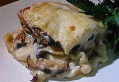 Mushroom Lasagna....how can Ina Garten be wrong. I'll try this when our wild chanterelles come up. Mushroom Lasagna, Mushroom Casserole, Wild Mushroom Soup, Ina Garten Lasagna, White Lasagna, Manicotti Recipe, Noodle Recipes, Pasta Recipes, Lasagna Recipes