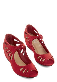 Lyon Your Mark Wedge in Rouge. Get these crimson wedges ready, get your pleated shirt dress set, and get your great look going everywhere in your favorite French city! #red #weddingNaN
