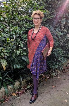 A sewing pattern review for Kwik Sew 4173. Pattern reviews help sewers choose the right patten so that they have success with their sewing projects.