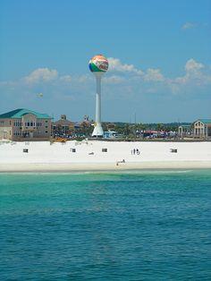 Pensacola Beach, Florida http://www.vacationrentalpeople.com/vacation-rentals.aspx/World/USA/Florida/