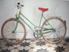 """Dela serie """"Bicis"""" 2014.Técnica mixta en tabla, Por Inma Pascual  Aparici1,65 x 1,25 cm.VENDIDO por 2000 euros"""