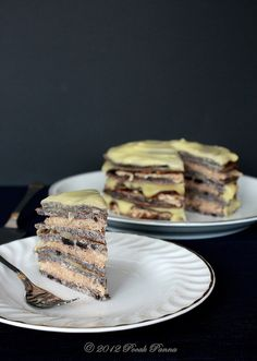 """Apple-Poppyseed """"cake of the nation"""" in paleo 