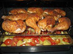 Hähnchenschenkel mit Ofen - Schmand - Gemüse, ein tolles Rezept mit Bild aus der Kategorie Geflügel. 300 Bewertungen: Ø 4,5. Tags: Braten, Geflügel, Geheimrezept, Gemüse, Grillen, Hauptspeise, Kartoffeln, Pilze