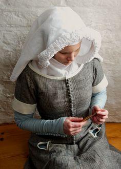 14th century plaid cotehardie