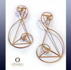 Aureo Earrings_18k gold and brillants. www.odara.art.br design by Odara_Brazil 2014