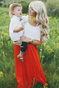 CARA LOREN: Family Pics by Jessica Janae Photography. Love her hair and this skirt! Family Photo Outfits, Family Photo Sessions, Boy Outfits, Mommy And Me Photo Shoot, Cl Fashion, Cara Loren, Mommy And Son, Cute Family, My Guy