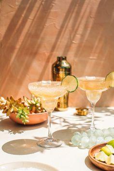 Best Cadillac Margarita Recipe, Margarita Recipes, Cocktail Recipes, Drink Recipes, Cocktail Photography, Food Photography, Recipe For Grand Marnier, Grand Marnier Margarita, Smoothies
