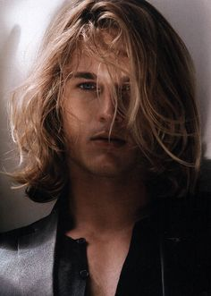 Travis Fimmel...just drag me off to the cave.