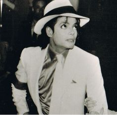 """""""I wish he'd come back..."""" (Miss you, Mike) ♥"""