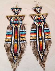 BE BOLD Earrings por wildmintjewelry en Etsy Beaded Earrings Native, Beaded Earrings Patterns, Native Beadwork, Native American Beadwork, Beading Patterns, Mint Jewelry, Seed Bead Jewelry, Bead Jewellery, Seed Bead Earrings