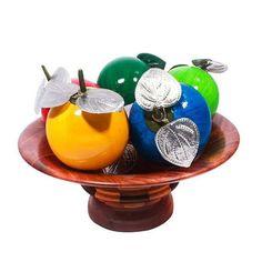 Colorful calabash shell fruits are the ideal summer home decor accessory! Get them here / ¡Coloridas frutas de tapara son el ideal accesorio de verano para tu hogar! Consíguelas aquí