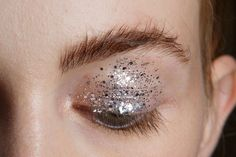 All of the Best Eye Makeup Looks From the Spring 2016 Runway Shows - silver glitter eyeshadow + natural lashes and brushed up brows