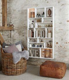 Reol med 14 rum i træ, hvid fra Hübsch i høj kvalitet med unikt design. De har øje for detaljen, som gør deres produkter helt fantastiske.