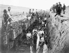 Navvies cut the Manchester to Liverpool ship canal. 1893 [[MORE]] I love this photo of (mainly) Irish navvies working on the Manchester ship canal. Welsh, Old Pictures, Old Photos, Manchester, England, Salford, History Photos, History Facts, Old London