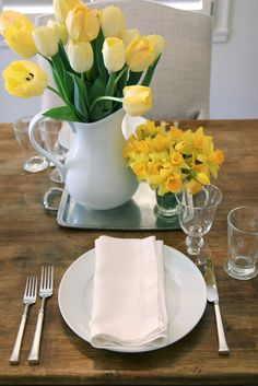 Jenny Steffens Hobick: Spring Dinner Party | Daffodils & Tulips | Lobster Mac and Cheese & Tiramisu Cake