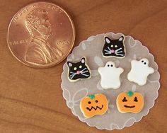 Dollhouse Miniature Loose Halloween Cookies by miniholiday on Etsy, $6.49