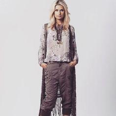 We love Cream!!! Klærne finner du her: www.gozip.no #goziplillestrom #gozip #mote #fashion #klær #nyheter #news #lillestrom #norge #norway #sko #shoes #vesker #bags #kjoler #dresses #bukser #pants #mapp #cream_dkcompany #bibbanorge #spicyvanilla #angelsneverdie #stylesnobcph #KoKoNorway_fashion #agenciesturquoise #dizsmykker #soliver #mustang #pleasejeansnorge Parachute Pants, Fashion, Moda, Fashion Styles, Fashion Illustrations
